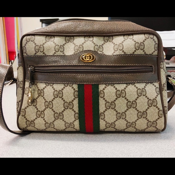 c497c53e8c0f Gucci Handbags - Vintage Gucci Camera Shoulder Bag (Ophidia)